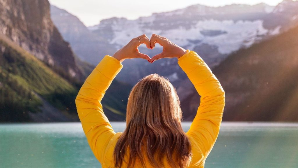 heart hands lake